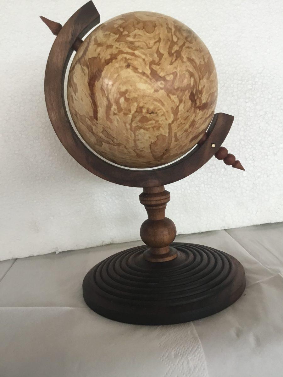 Globus i svampet bøg
