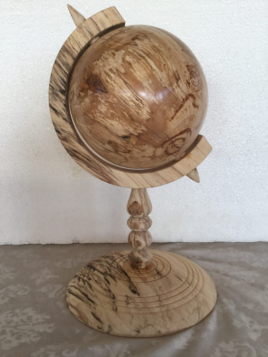 Globus i svampet bøgetræ